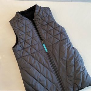 IVIVVA Quilted Puffer Vest